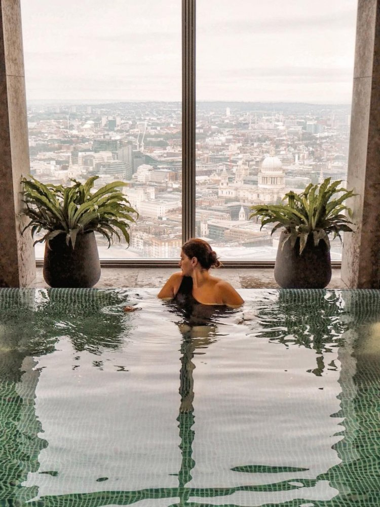 The Ultimate London-Lovers Pool With a View