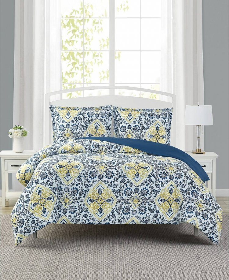 Macy's king and Queen comforter and quilt set 70 to 75% off. Free ship on 25+ order Price : $18.99 + Tax