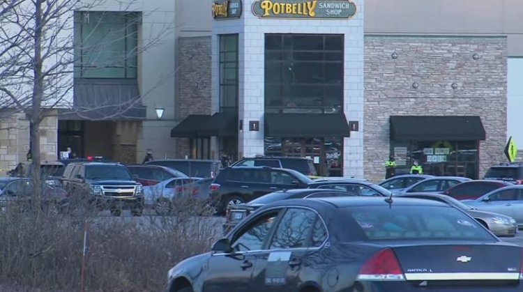 Police: 8 people injured in Wisconsin mall shooting