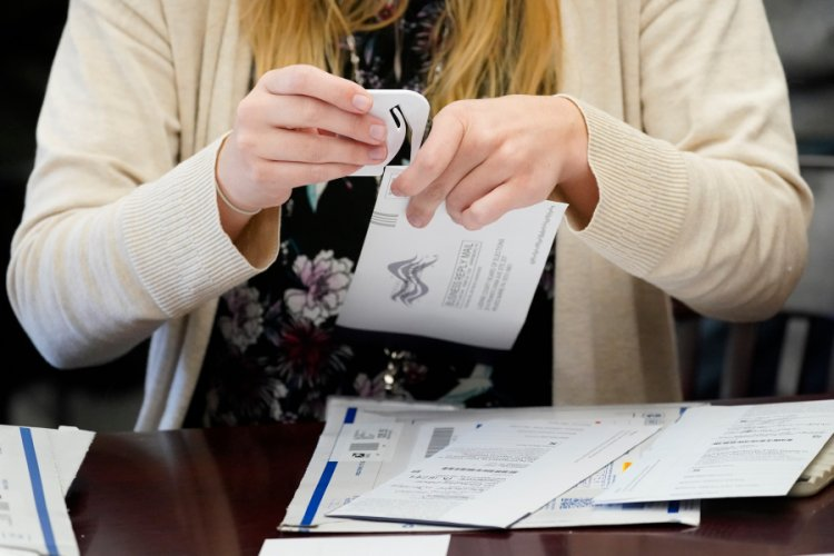 Judge throws out Trump bid to stop PA vote certification